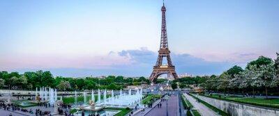 Wall mural Tour Eiffel au crépuscule