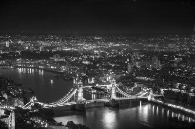 Wall mural Tower Bridge in night lights, London