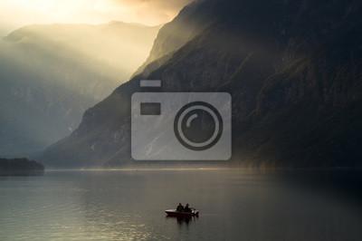 wędkarze na alpejskim jeziorem