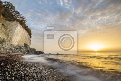 Złoty wschód słońca na Klifach  Rugii