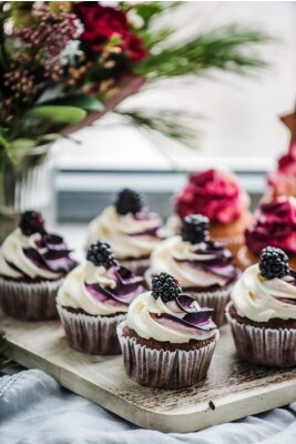 Poster berry cupcakes