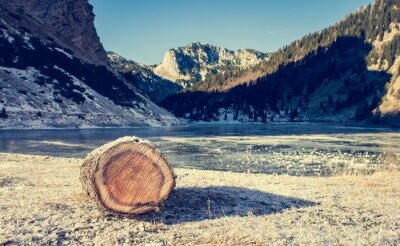 Poster Frozen mountain lake.
