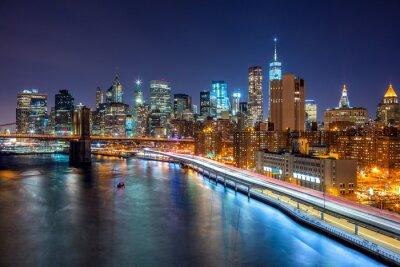 Poster  New York City night scene with Manhattan skyline and Brooklin B