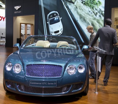 Poster Paris Motor Show 2010 in Paris, showing Bentley Continental GTC Series 5I
