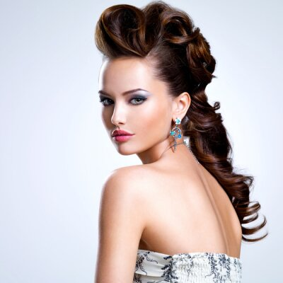 Poster Portrait of a beautiful woman with creative hairstyle