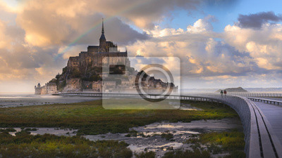 Poster Rainbow over Mont Saint Michel after raining with walkway