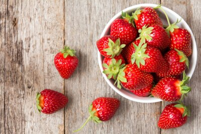 Poster Red strawberry in a bowl
