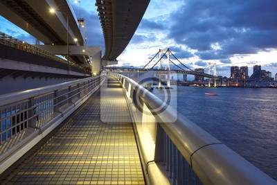 Poster Tokyo bay and rainbow bridge at sunset time from walking across