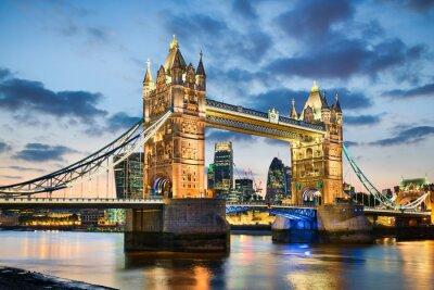 Poster Tower Bridge in London, UK at night