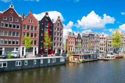 Poster Traditional Amsterdam cityscape with apartment houses in down town. Netherlands.