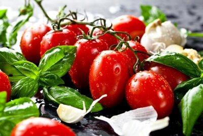 Sticker Frische tomaten mit basilikum und knoblauch