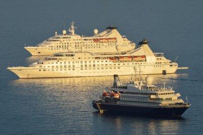 Sticker Kreuzfahrtschiffe vor Dubrovnik vor Anker