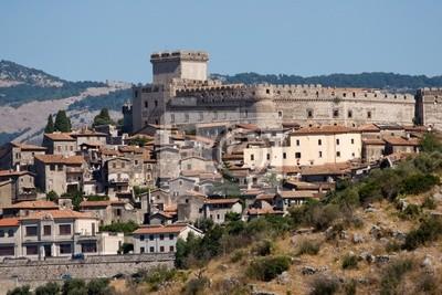 sermoneta castle
