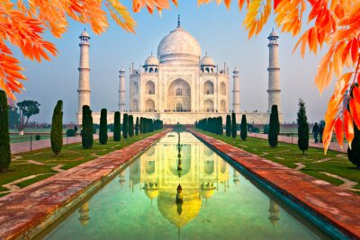 Sticker Taj Mahal at sunrise, Agra, Uttar Pradesh, India.